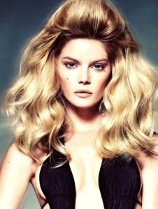 модная прическа 2013 на длинные волосы